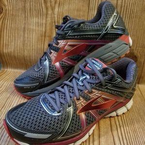"Brooks Adrenaline 17 ""Excellent"" Running Shoes"